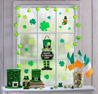 St. Patrick's Day Super Window Decorating Kit