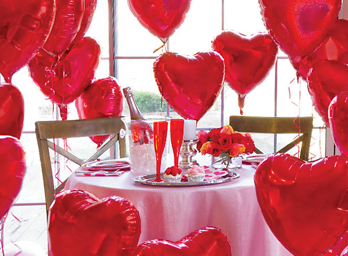Valentine 39 s day balloons ideas party city for Balloon decoration for valentines day