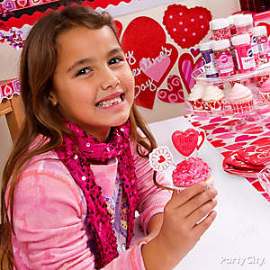 Valentine's Day Classroom Cupcake Decorating Activity Idea