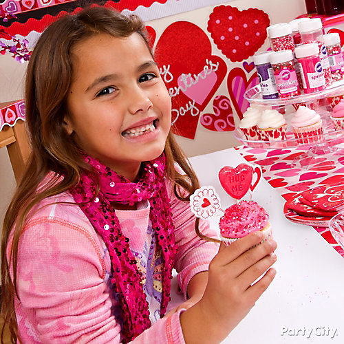 Valentines Day Classroom Cupcake Decorating Idea