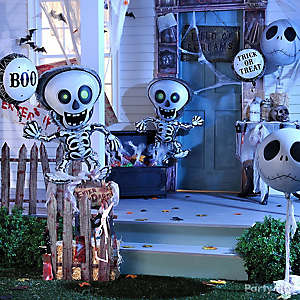 Skeleton Balloon Porch Idea