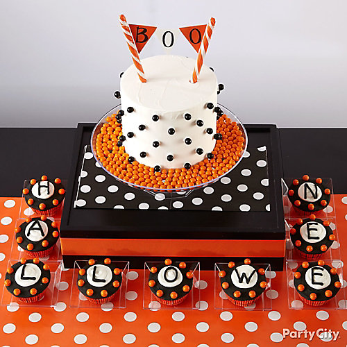 Modern Halloween Letter Cupcakes How To