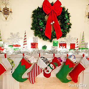 Jolly Christmas Mantel Decorating Idea