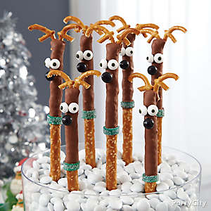Reindeer Pretzel Rods How To