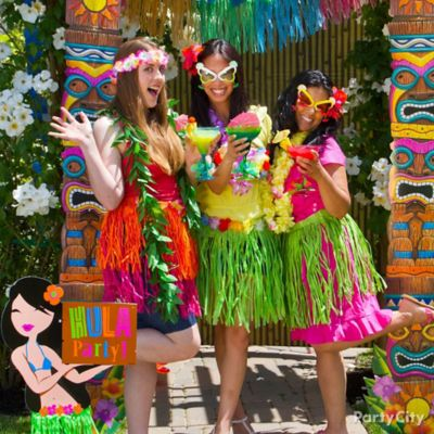 Luau Photo Booth Idea