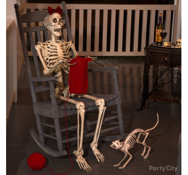 Knitting Grandma Skeleton Idea