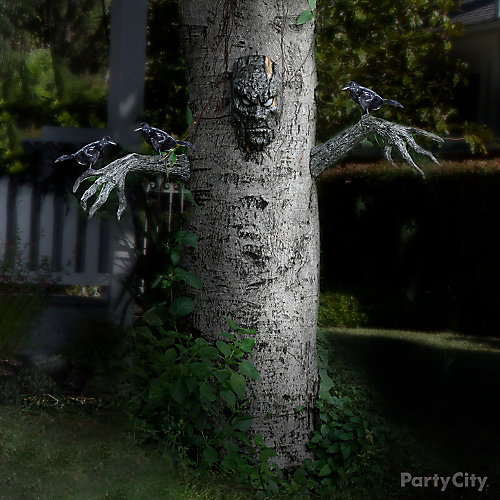 Haunted Yard Tree Idea