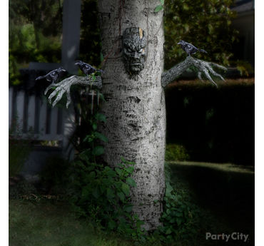 Haunted Yard Tree Idea