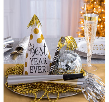 White and Gold Centerpiece Idea