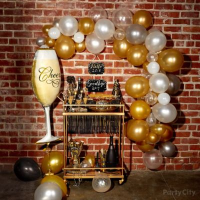 Bubbly Balloon Arch with Bar Cart Idea