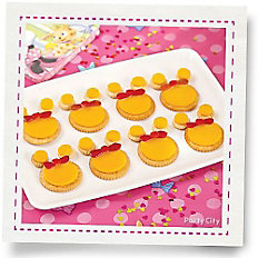 Minnie Mouse Cheese & Crackers