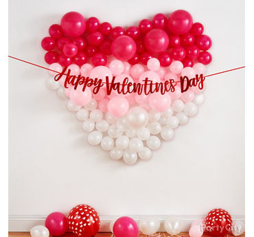 Heart Balloon Wall Idea