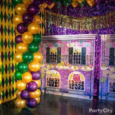 Mardi Gras Wall Decor | Iron Blog