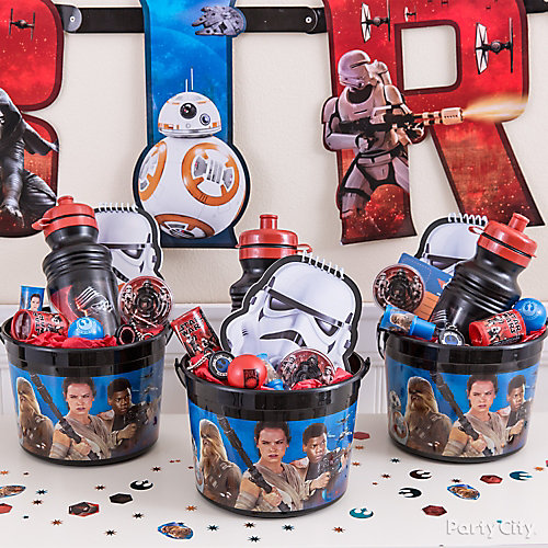 Star Wars Favor Bucket Idea