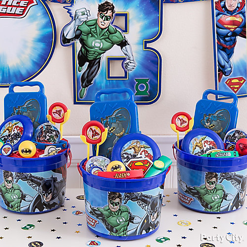 Justice League Favor Bucket Idea