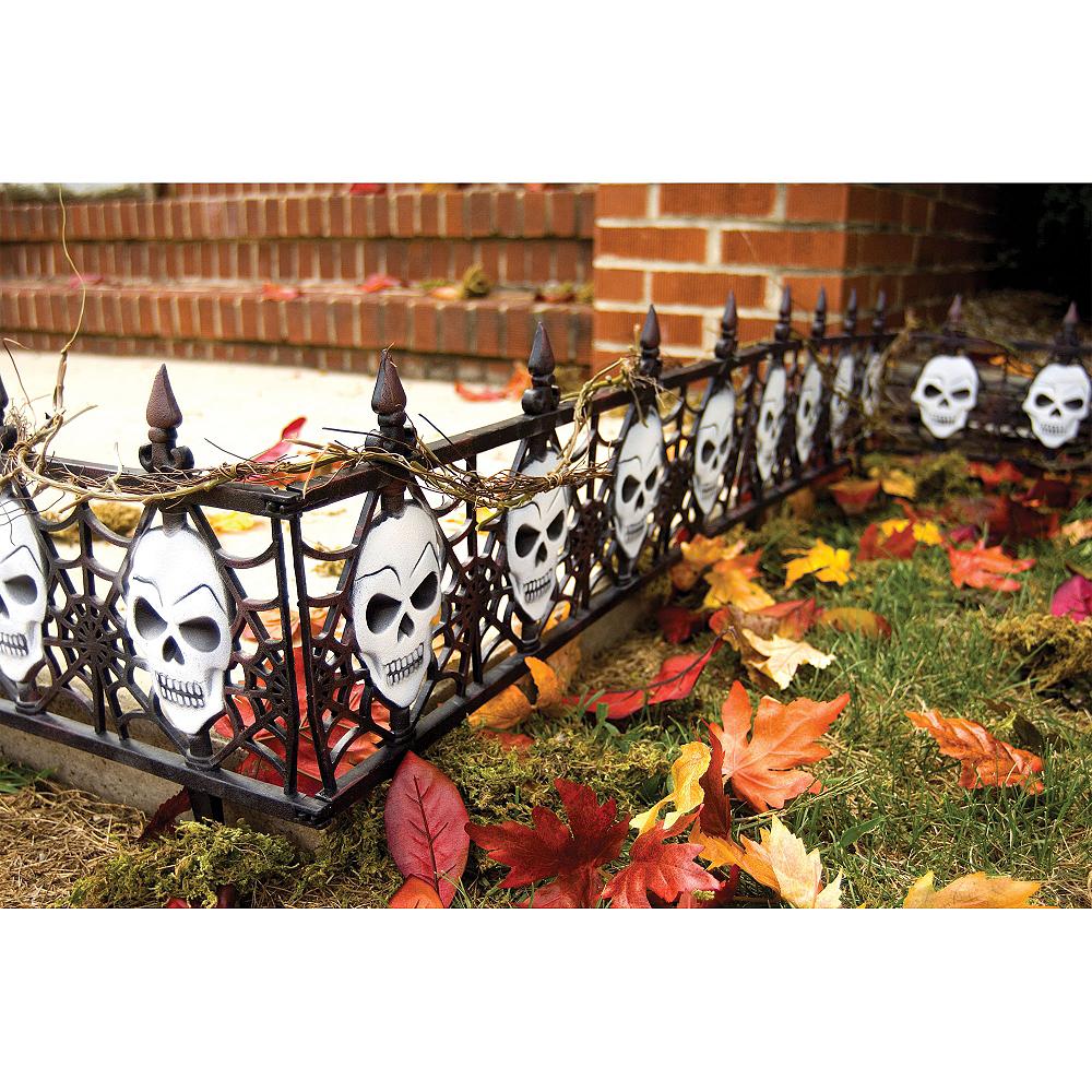 Gothic Skull Fences 2ct Image #3