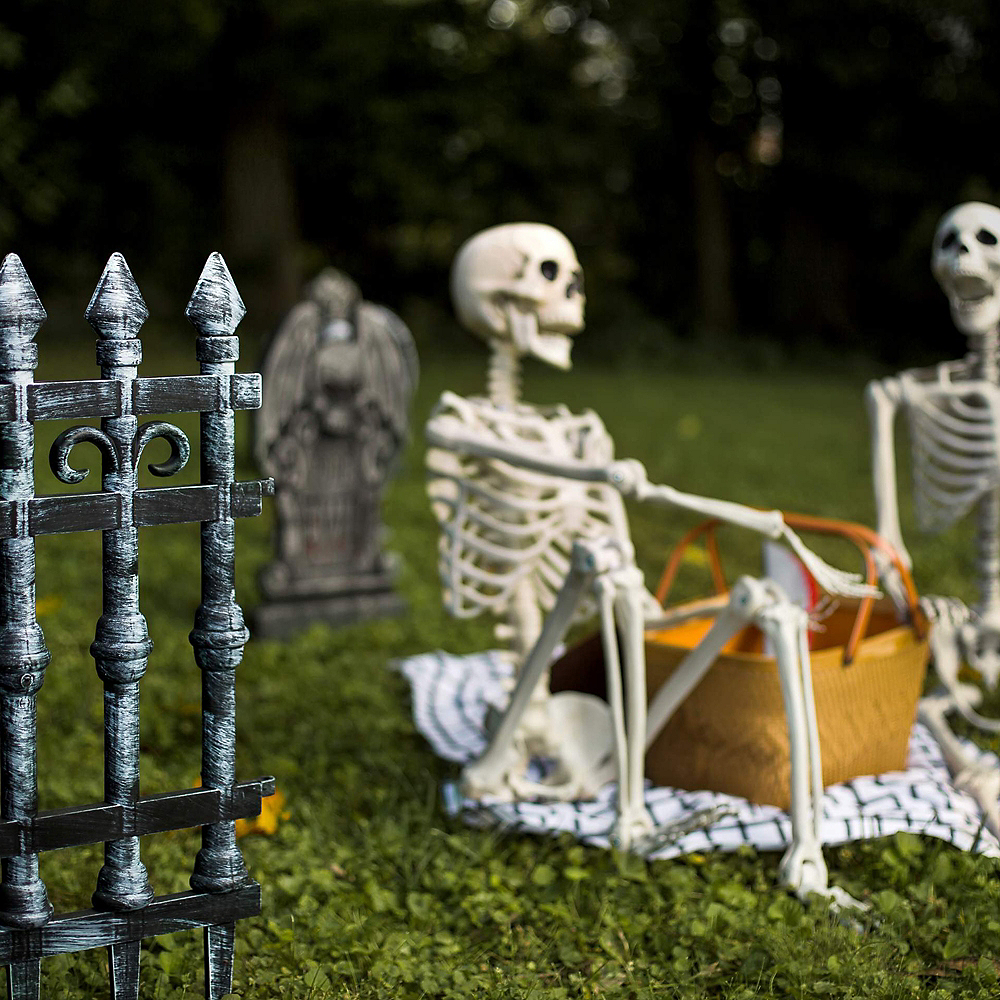 Cemetery Fences 2ct Image #4