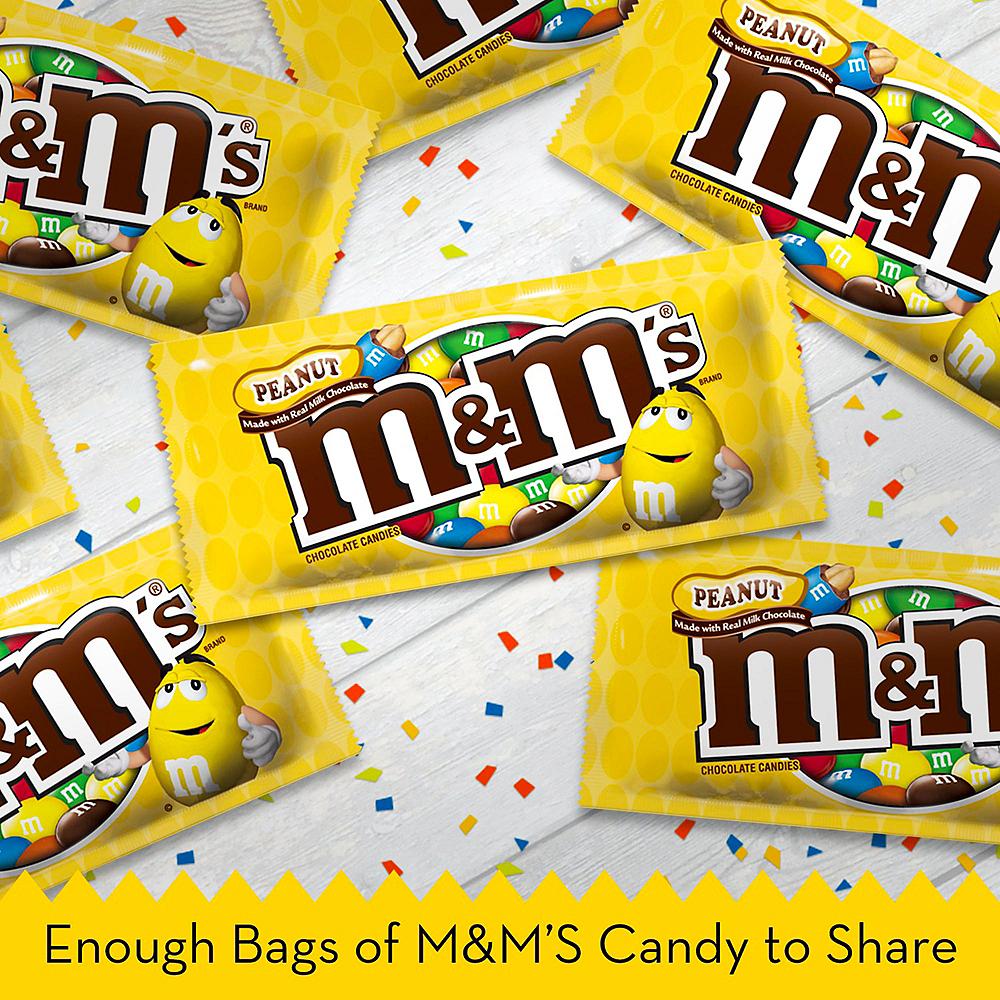 M&M's Chocolate Candies, 1.74oz - Peanut Image #4