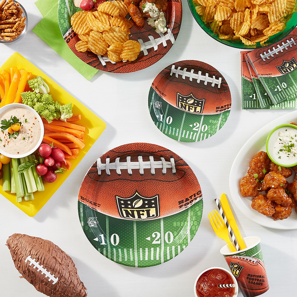 Nav Item for NFL Drive Dessert Plates 18ct Image #2