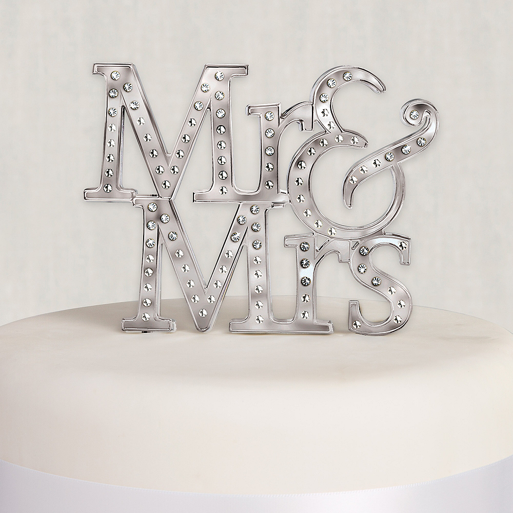 Mr. & Mrs. Wedding Cake Topper 5 1/4in x 5in | Party City Canada