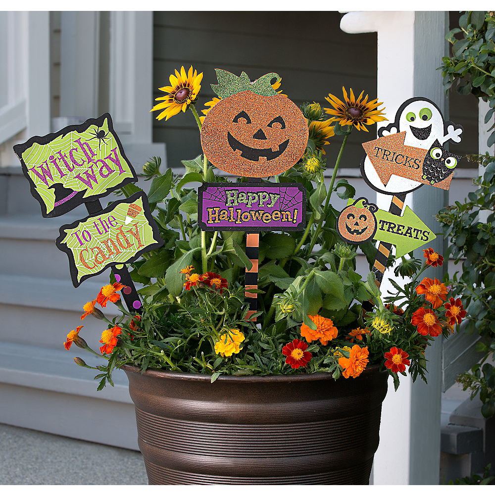 Happy Halloween Yard Decorating Kit Image #1