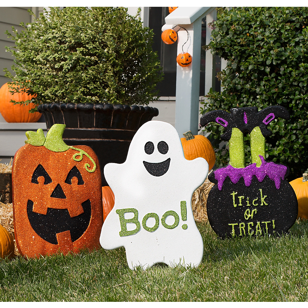 Halloween Friends Yard Decorating Kit Image #1