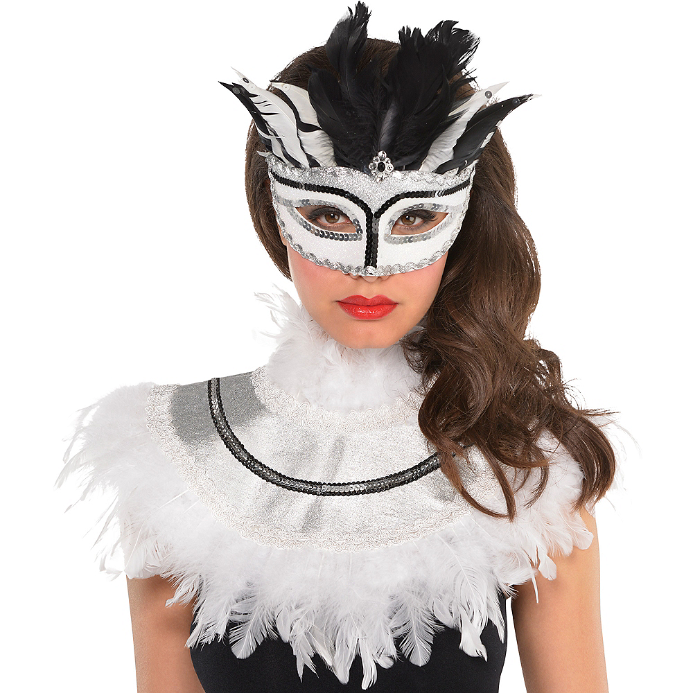 White Feather Collar Image #2
