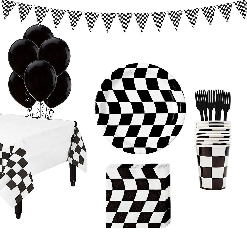 Black & White Checkered Super Tableware Kit for 16 Guests Image #1