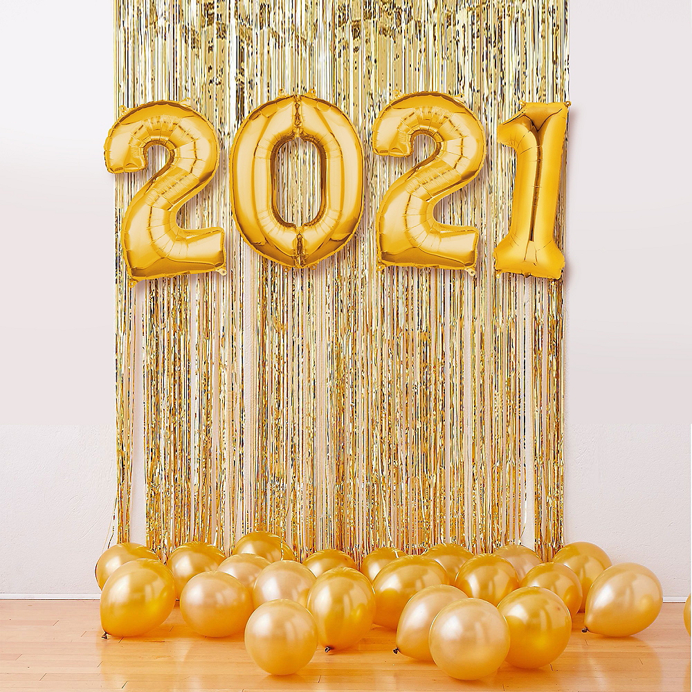 Air-Filled Gold 2020 Balloon Backdrop Kit Image #1