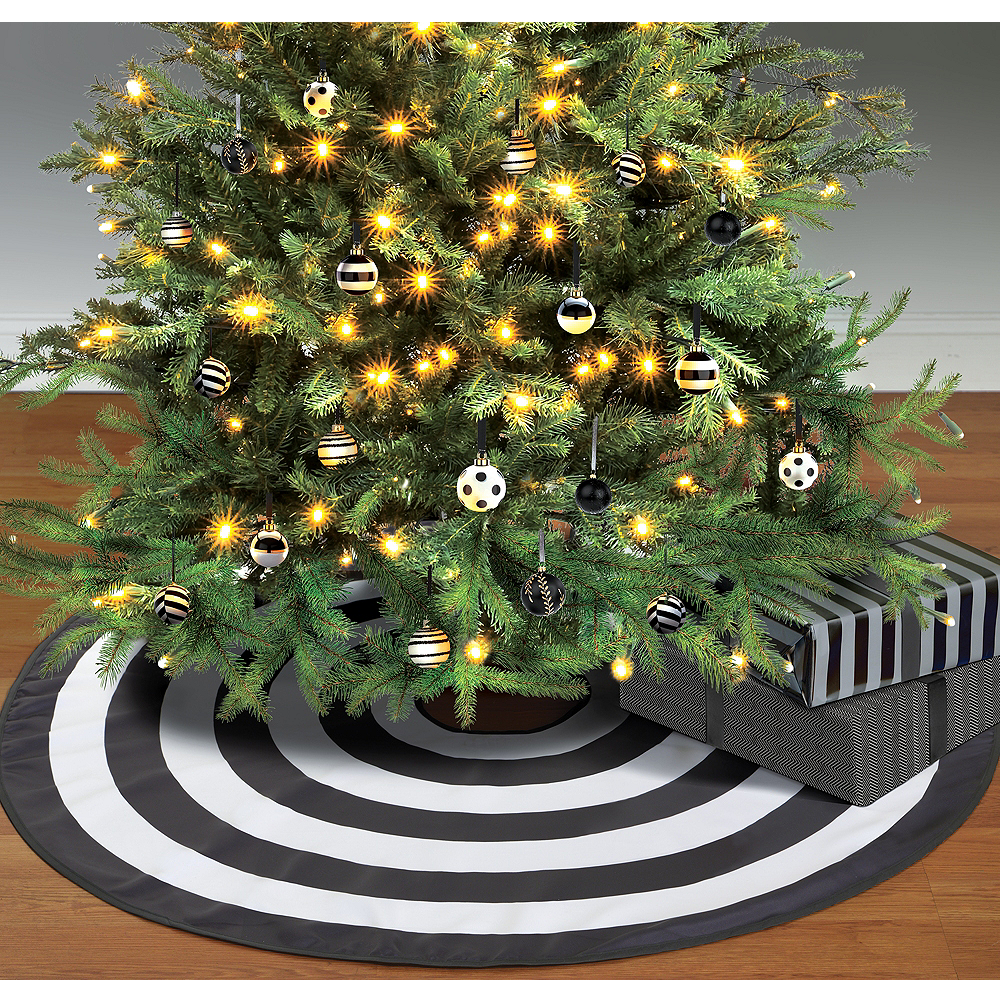 black white tree skirt image 1