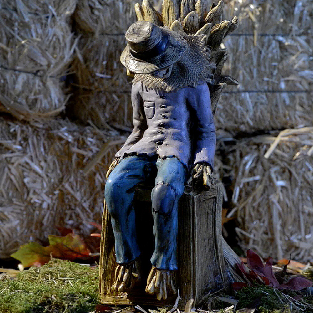 Animated Sitting Scarecrow Image #3