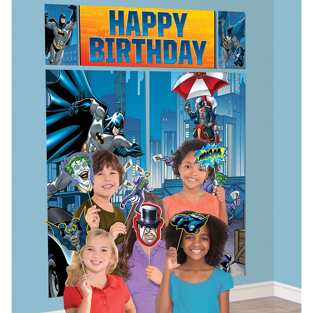 Warner Brothers Batman Birthday Party Kit, Includes Batman Muscle Costume (12-14), Tableware, Decor and Balloons, Serves 8 Image #4