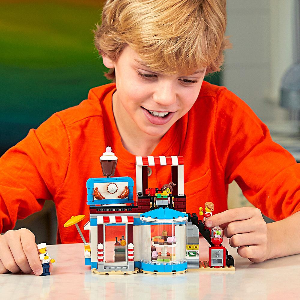 Lego Creator Modular Sweet Surprises 396pc - 31077 Image #2