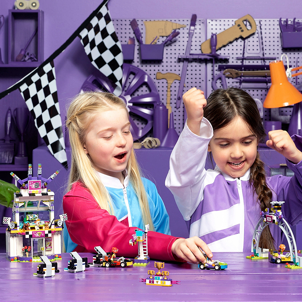 Lego Friends The Big Race Day 648pc - 41352 Image #2