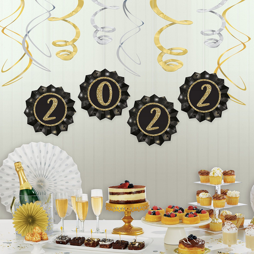 Super Black, Gold & Silver New Year's Eve Accessory & Decor Kit for 300 Guests Image #7