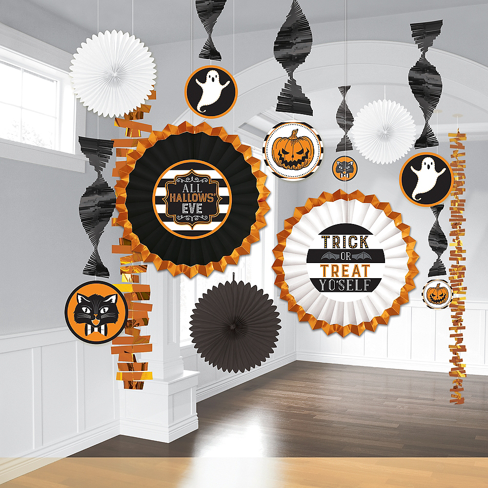 Hallows' Eve Room Decorating Kit 13pc Image #1
