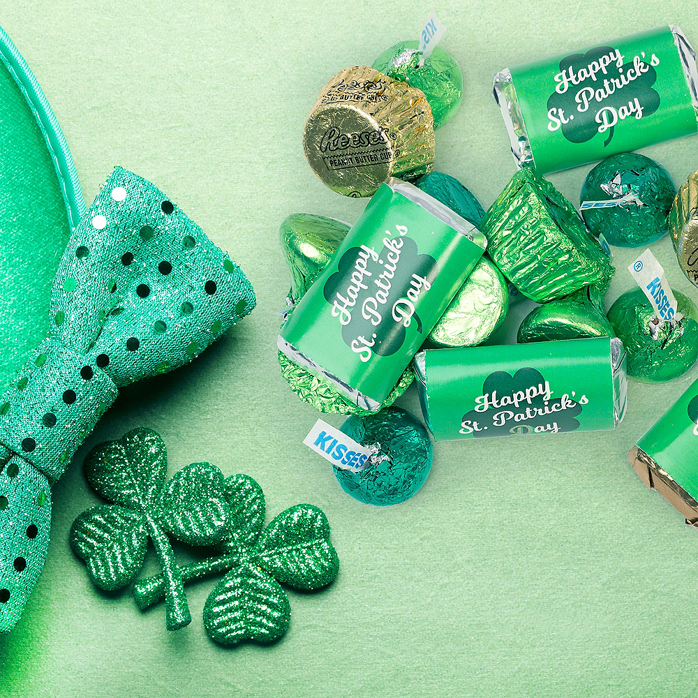 Nav Item for St. Patrick's Day Hershey's Chocolate Mix 180pc Image #3