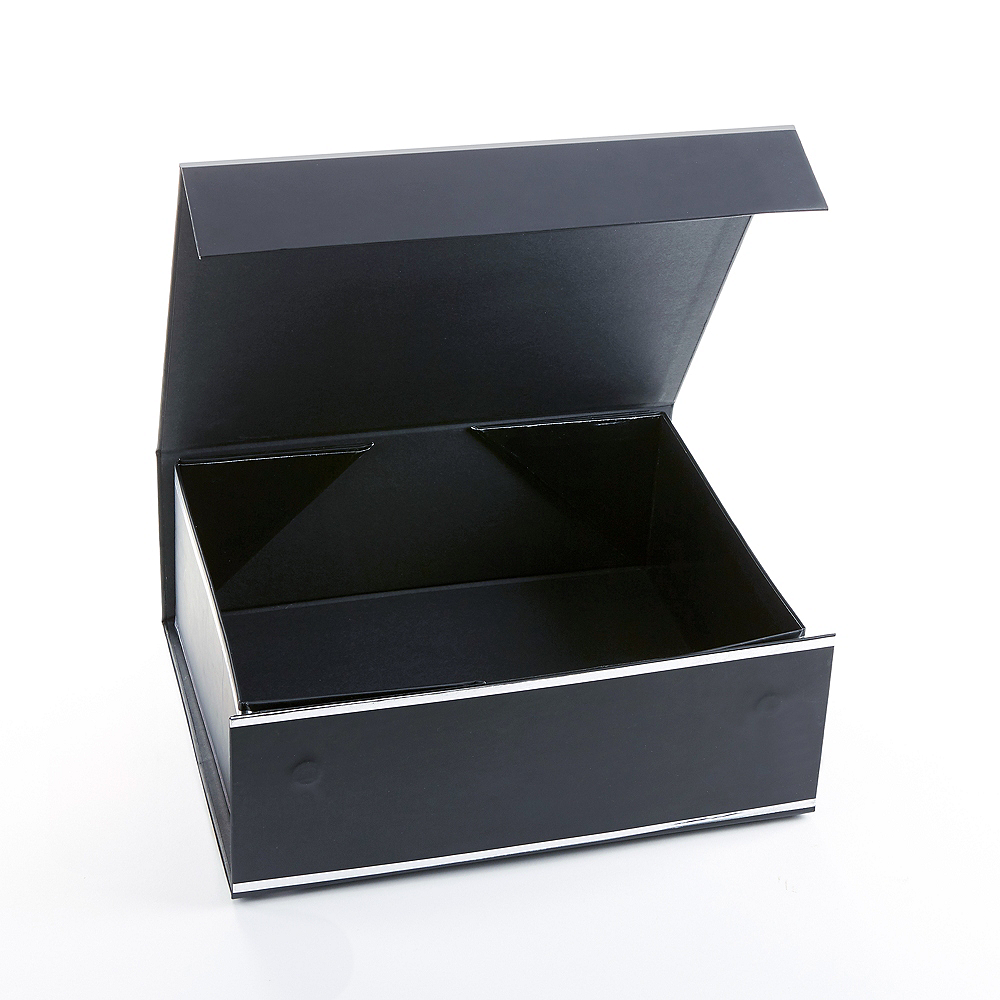 Nav Item for Black & Silver Groomsman Gift Box Image #2