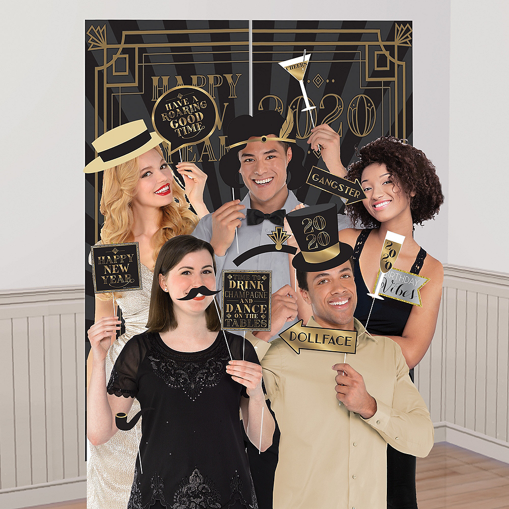 Roaring 20s Scene Setter with Photo Booth Props Image #1