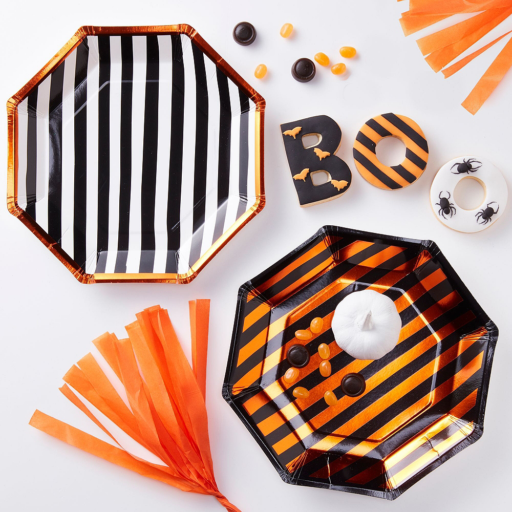 Ginger Ray Black & Orange Bats Tableware Kit for 8 Guests Image #2