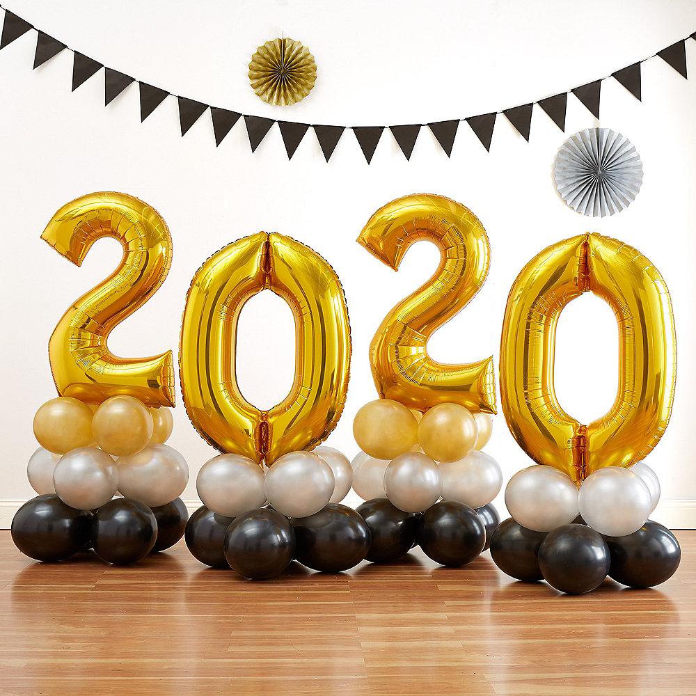 34in Air-Filled Gold 2019 Graduation Balloon Centerpiece Kit Image #1