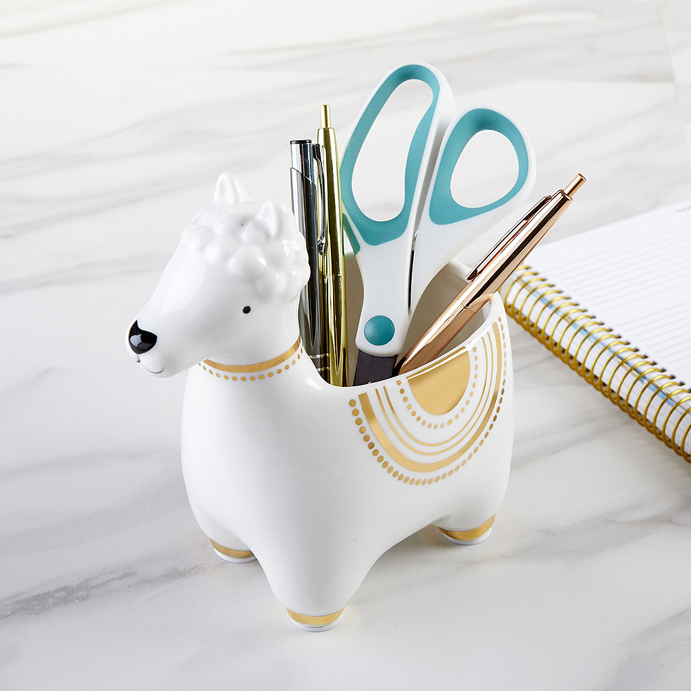 Llama Phone Stand with Sound Amplifier Image #3