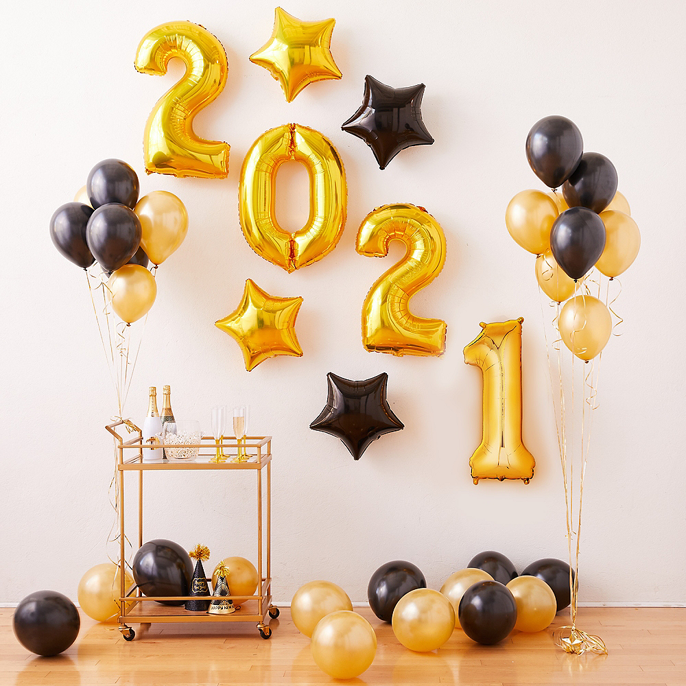 Air-Filled Black & Gold New Year's Eve Balloon Kit Image #1