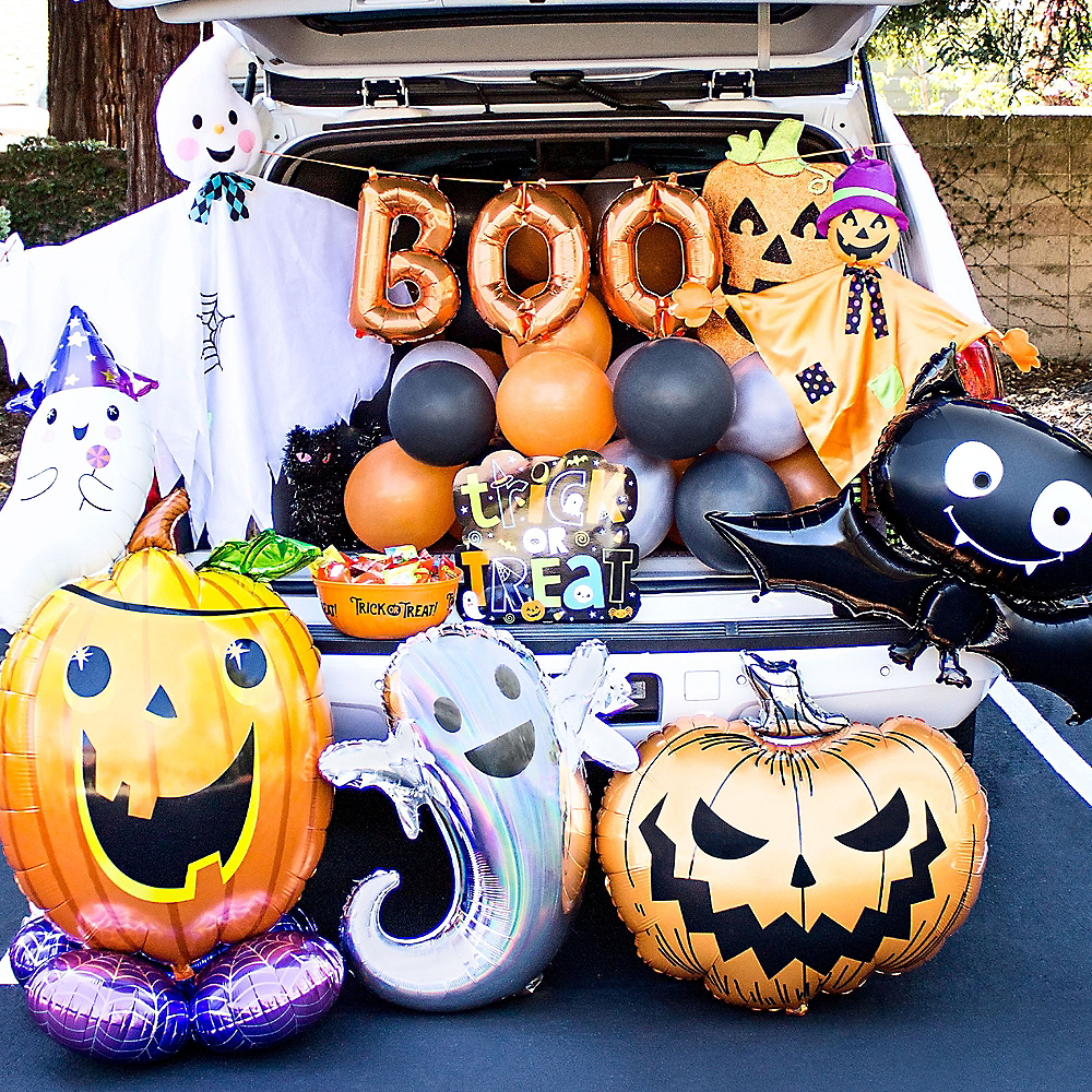 Pumpkin Fun Trunk or Treat Decorating Kit Image #1