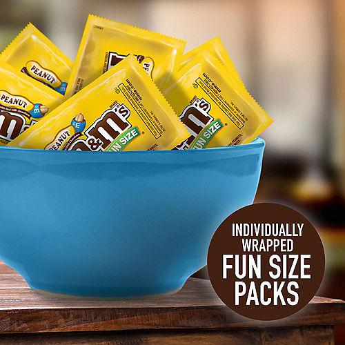 Milk Chocolate Peanut M&M's Fun Size Packs, 17ct Image #4