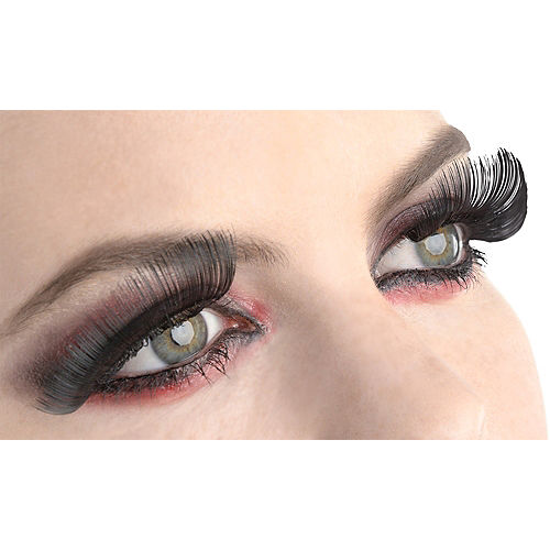 Full Black False Eyelashes Image #1