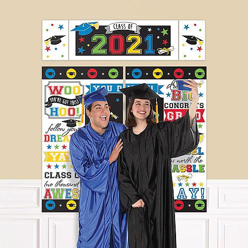 Rainbow 2021 Graduation Plastic Scene Setter Image #1