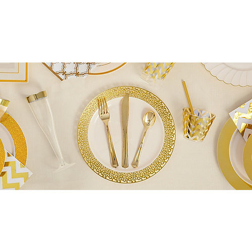 Cream Gold-Trimmed Premium Plastic Scalloped Dinner Plates 10ct Image #2