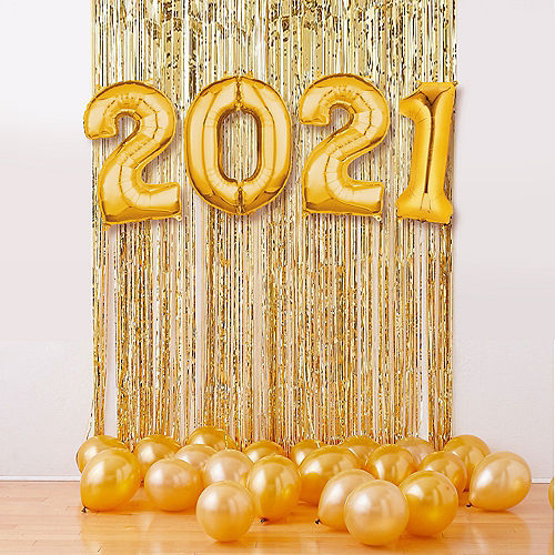 Air-Filled Gold 2021 Balloon Backdrop Image #1