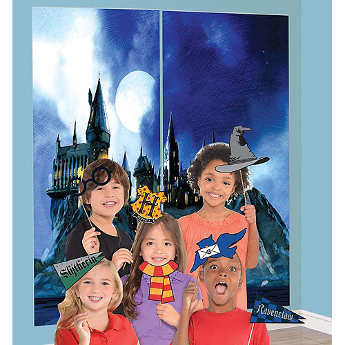 Harry Potter Scene Setter with Photo Booth Props Image #1